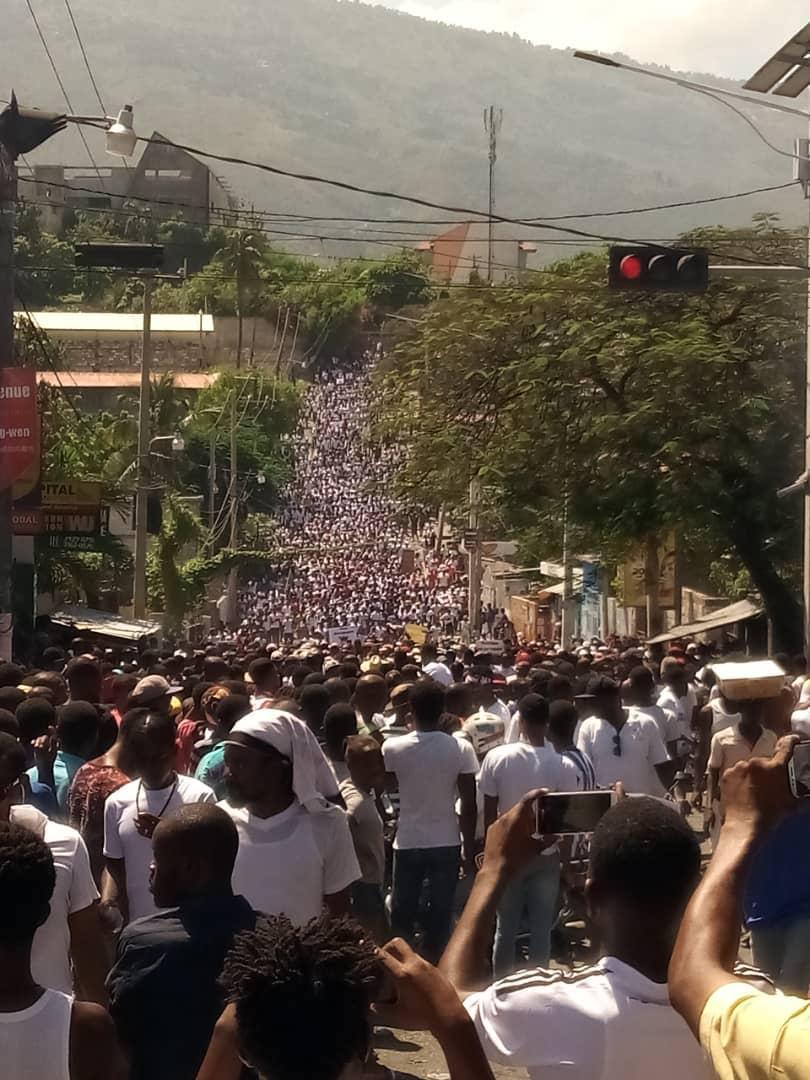Manifestation du 20 octobre 2019 pour demander le départ du président de la république d'Haïti Jovenel Moïse. Port au Prince. Crédit photo@auteur inconnu